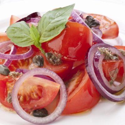 Суган белән помидор салаты