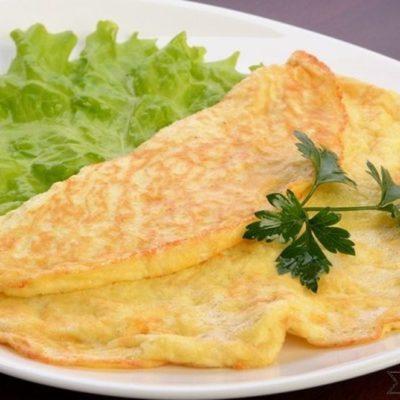 omlet s sirom